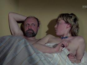 Иоанна Жулковска голая - Доложи, 07 s01e10 (1976) #2