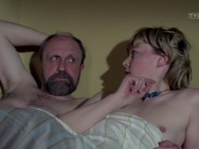 Иоанна Жулковска голая - Доложи, 07 s01e10 (1976) #3