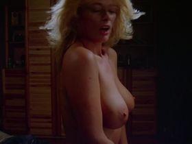 Сибил Даннинг голая, Синди Гёрлинг голая, Изабель Межиа голая - Джули, дорогая (1983)
