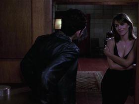 Элизабет Хёрли секси — Вечная полночь (1998) #2