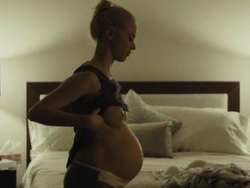 Сара Гадон голая — Враг (2013)