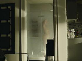 Сара Гадон голая — Враг (2013) #2