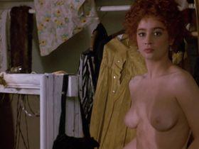 Мойра Келли голая, Дайан Лейн голая — Чаплин (1992)
