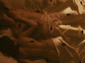 Хилари Суэнк голая — Черная орхидея (2006)