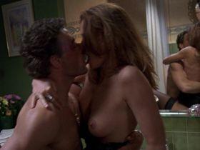Наташа Хенстридж голая — Максимальный риск (1996)