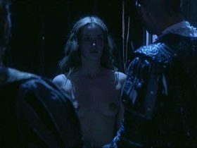 Эмили Блант голая, Хелена Бонем Картер голая - Генрих VIII (2003)