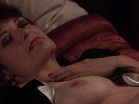 Катрин МакКормак голая — Тень вампира (2000)