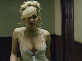 Дженнифер Лоуренс секси — Афера по-американски (2013)
