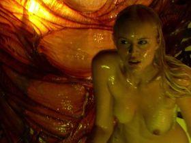 Хелена Мэттссон голая — Особь: Пробуждение (2007)