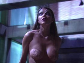 Марлене Фавела голая — Особь: Пробуждение (2007)
