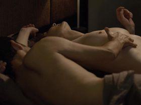 Корина Масьеро голая — Луиза Виммер (2011)