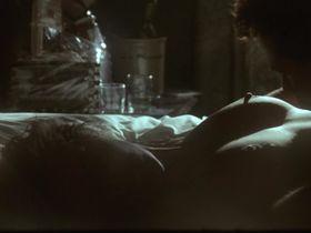 Грета Скакки голая — Вдребезги (1991)