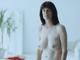 Лора Бенсон голая - Недотрога (2018)