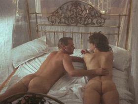 Грета Скакки голая - Жара и пыль (1983)