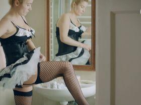 Иоанна Бродзик секси - Nie rob scen s01e03 (2015)