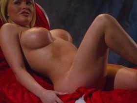 Крисси Линн голая - Тайная жизнь (2010)