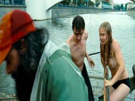 Юлия Пересильд голая - Короткое замыкание (2009)