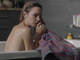 Клер Кейм секси - Жажда жизни (2017)
