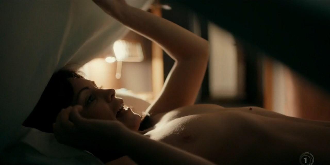 Kate Elliott Nude