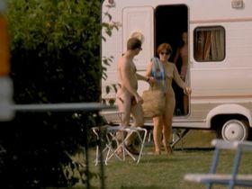 Франсуаз Пинквассер голая - Хочу каникулы! (2002) #3