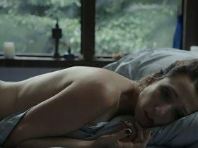 Рита Карелли голая - Hospedeira (2014)