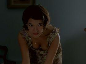Мелани Дотей секси - Цветок зла (2003)