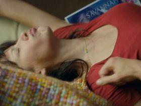 Софи Марсо секси - Мадам Миллс, идеальная соседка (2018)