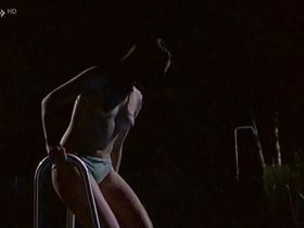Франка Потенте голая - После пяти в джунглях (1995)