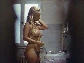 Irina Lackmann голая - Детские игры (1992)