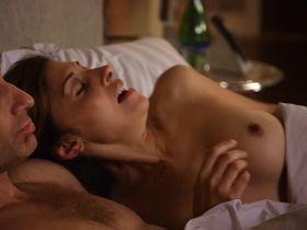 Калли Торн голая - Блудливая Калифорния s04e08 (2011)