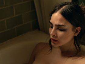 Мелисса Баррера секси - Жизнь s02e07 (2019)
