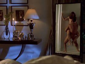 Эшли Лоуренс голая - Убийца ворон (1998)