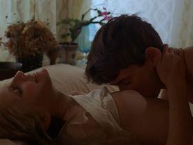 Кэрол Леви голая - Одни во тьме (1982)