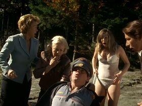 Мартина Поэль голая - Четыре женщины и одни похороны s01e10 (2005) #10