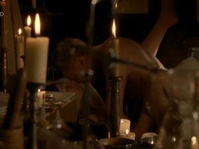 Мартина Поэль голая - Четыре женщины и одни похороны s01e10 (2005) #5