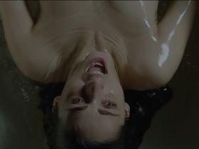 Мириам Леоне секси - Не убей s01e01 (2015)