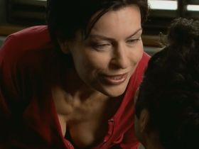 Данута Стенка секси - Инстинкт s01e03 (2011)