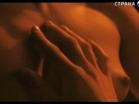 Катерина Шпица голая - Смех в темноте (2011)