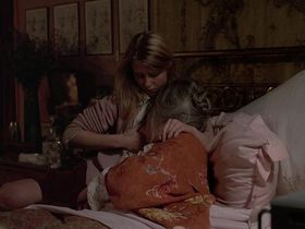 Кэтрин Харрисон голая - Черная луна (1975) #4