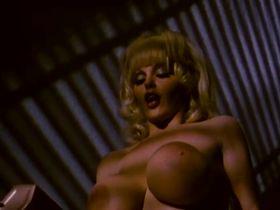 Энн Мари голая - Долина блаженства (1979) #2