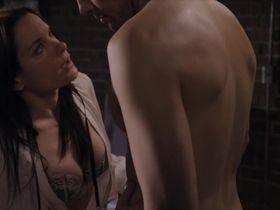 Джина Холден секси - Жизнь непредсказуема s01e06 (2010) #5