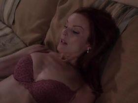 Марсия Кросс секси - Отчаянные домохозяйки s03e01 (2004) #4