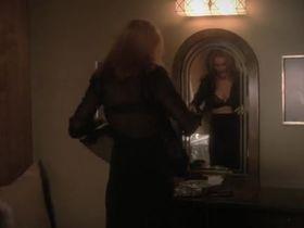 Марсия Кросс секси - Отчаянные домохозяйки s06e03 (2004) #4