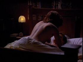 Керри Фокс голая - Последняя татуировка (1994) #1