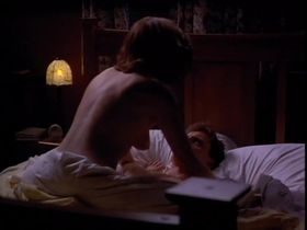 Керри Фокс голая - Последняя татуировка (1994) #2