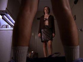 Криста Миллер секси - Клиника s01e06 (2001) #4