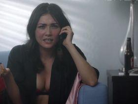Даниэлла Пинеда секси - В объезд s01e04 (2016) #2