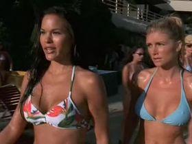 Бранд Родерик секси, Стейси Кэмано секси - Гавайская свадьба (2003)