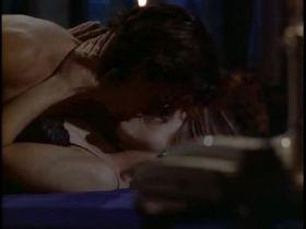 Кортни Торн-Смит секси - Мелроуз Плэйс s02e01 (1994) #5