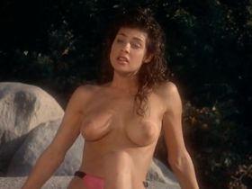 Тери Вейгель голая, Вики Бенсон голая - Лагерь девушек-болельщиц (1988) #7